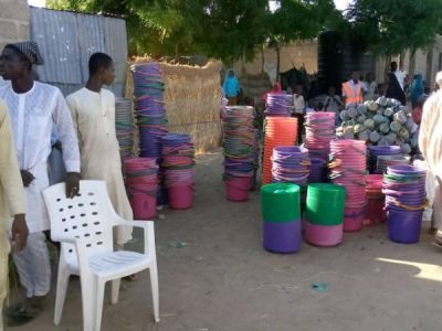 Distribution of items to IDPs in camps and host communities